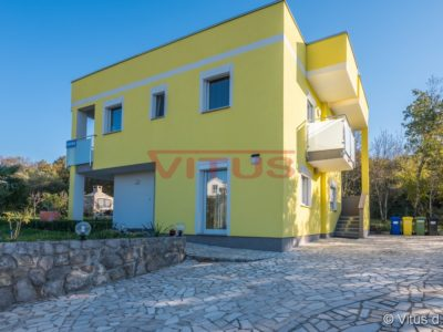 Malinska, Detached house with two furnished apartments